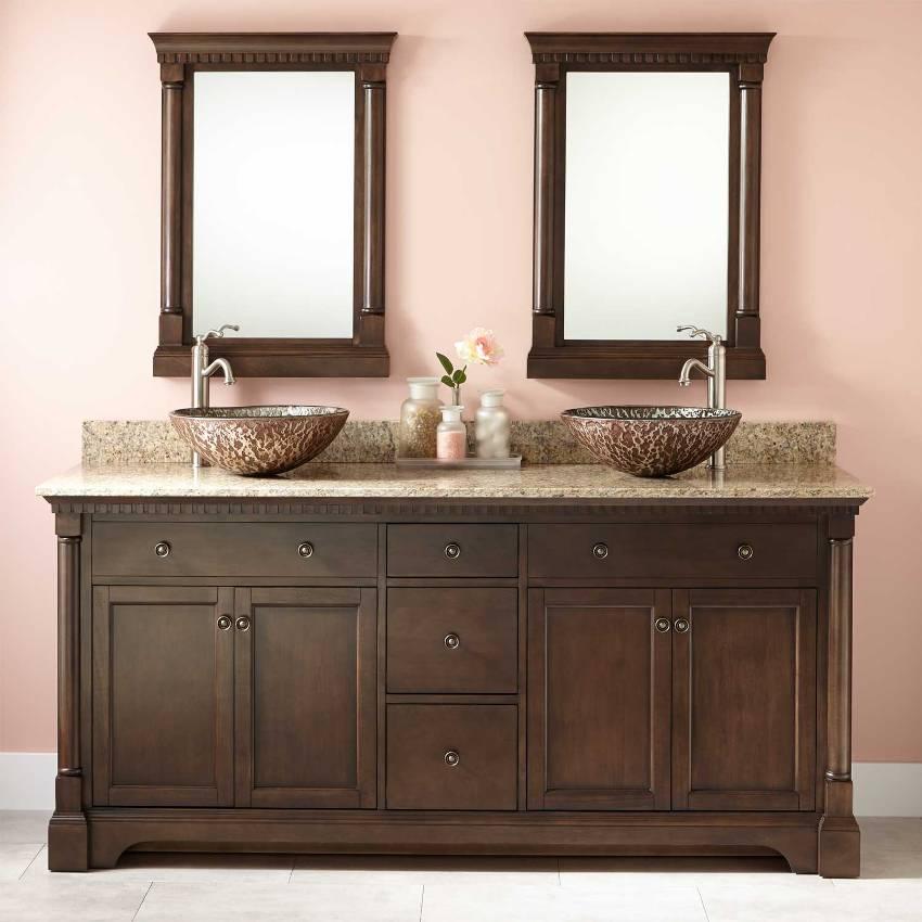 К материалам, применяющимся в производстве тумбы под раковину, предъявляются особые требования, это связано с высокой влажностью и частыми изменениями температурного режима в ванной комнате