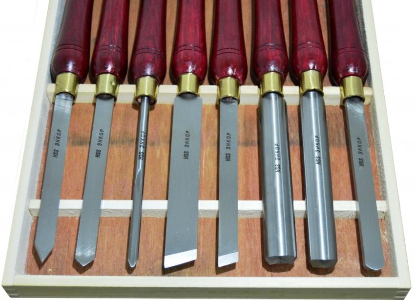 Токарные резцы Энкор HSS имеют в наборе оснастку различного профиля, изготовлены из быстрорежущей стали