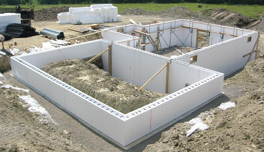 Ростверки могут различаться как по конструкции, так и по своему расположению и материалу