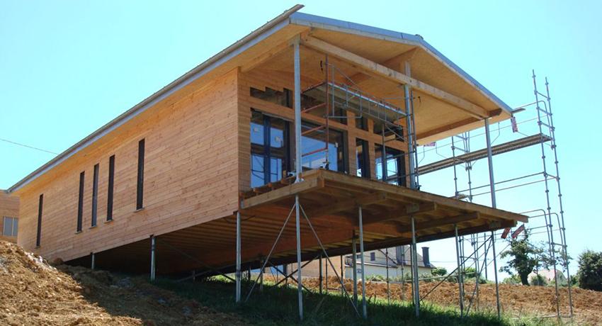 Пример дома на сваях с ростверком