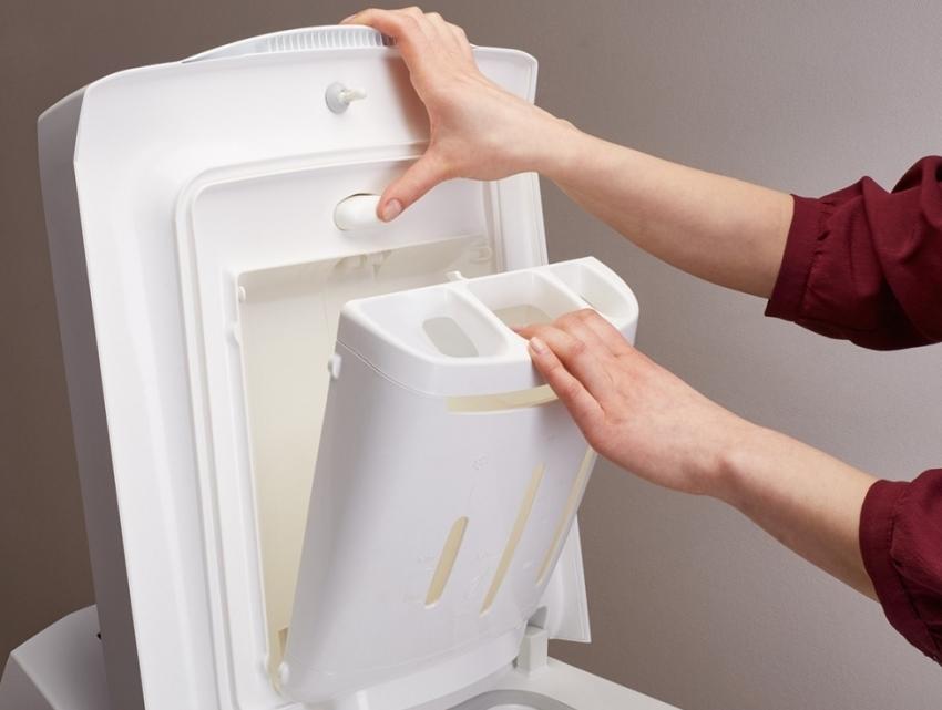 Выбирая стиральную машину отдавайте предпочтение моделям в которых предусмотрена возможность полной очистки емкости для моющих средств