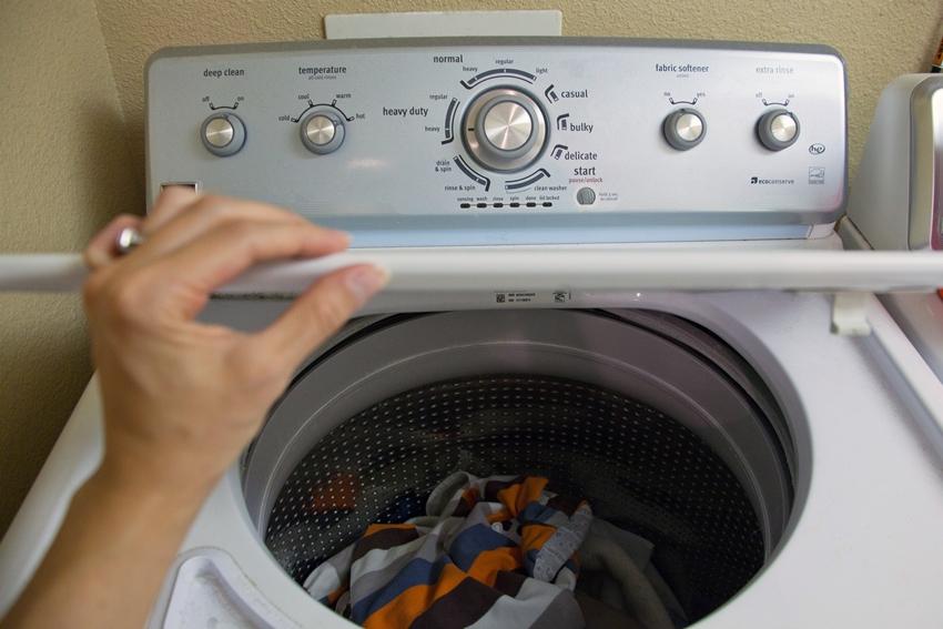 Функциональные возможности стиральных машин с вертикальной загрузкой довольно широки, однако, помните, чем больше количество функций машины тем выше ее стоимость