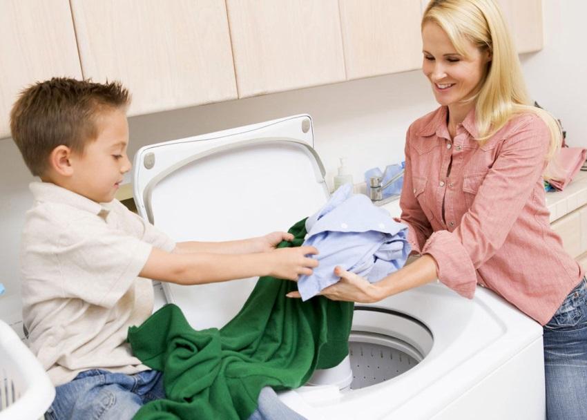 Если в доме есть маленькие дети или вы склонны к аллергическим реакциям, при выборе стиральной машинки отдавайте предпочтение моделям с функцией дополнительного полоскания
