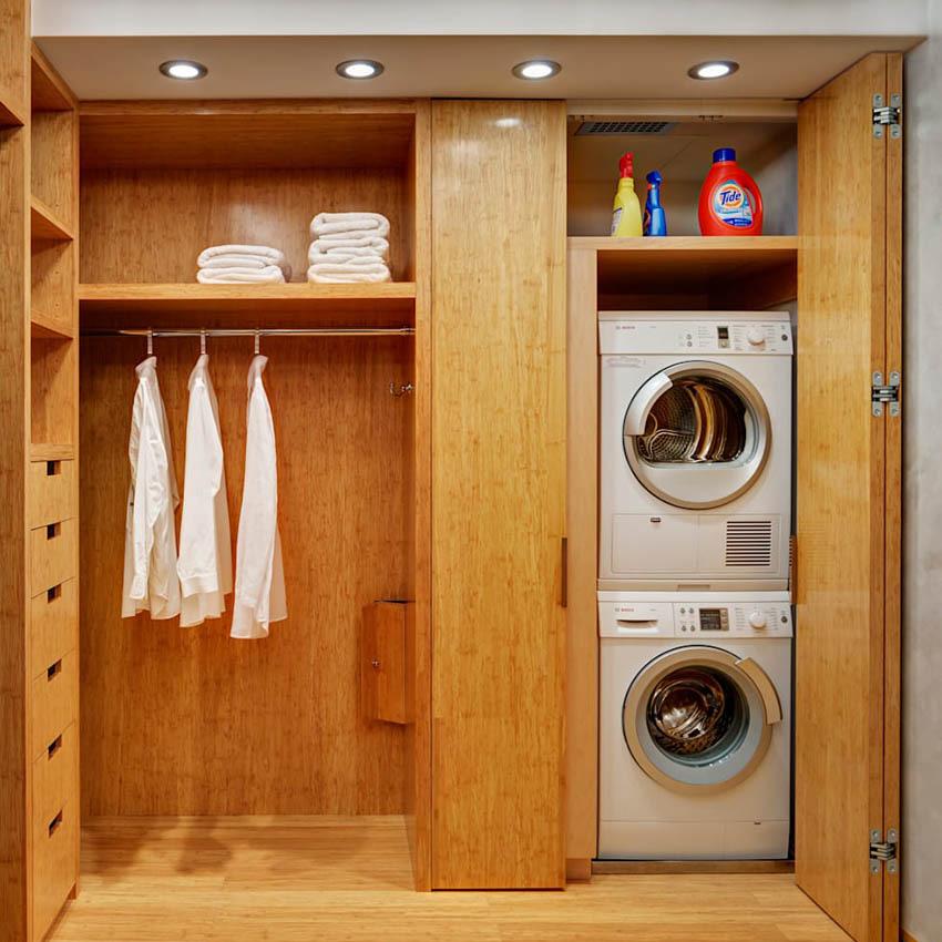 При необходимости, можно поместить сушилку на стиральную машину для экономии пространства