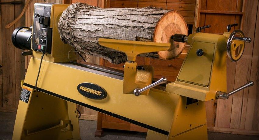 Токарные станки по дереву схожи с агрегатами для металлообработки, однако все же имеют некоторые отличия