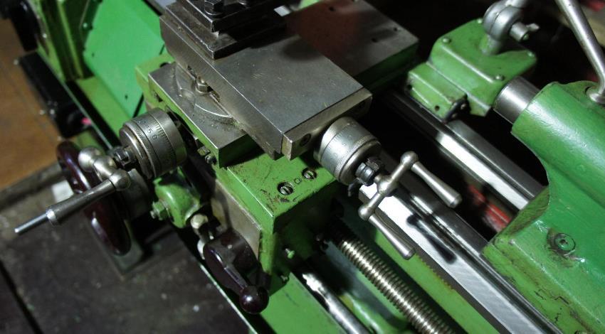 Простая система управления станком ТВ-7 позволяет справятся с токарными работами даже тем кто имеет небольшой опыт в металлообработке