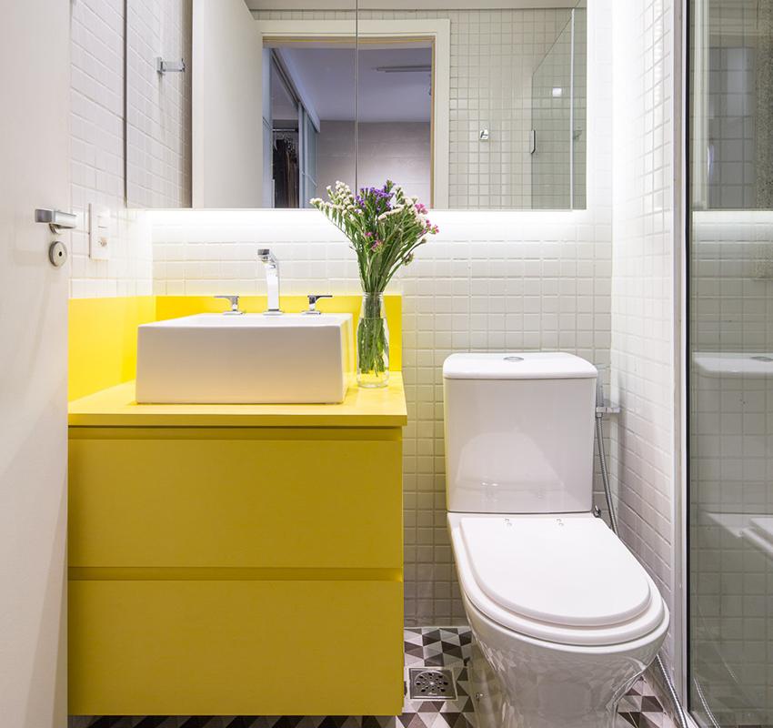 Компактная современная тумба яркого желтого цвета