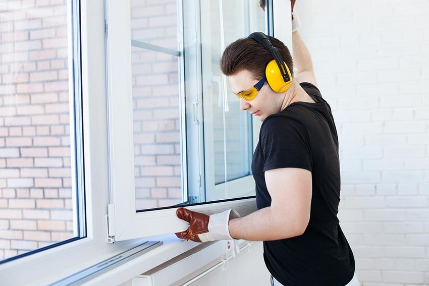 До того, как установить окно, необходимо проверить все его плоскости с помощью