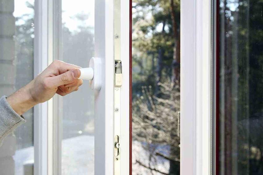 Створки - это подвижная часть окна, как правило они имеют три степени фиксации