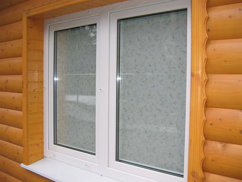 Чтобы не произошло изменение геометрии окна, необходимо организовать обсаду