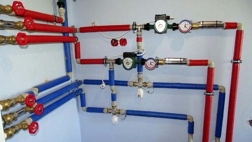 Технические характеристики водяных насосов позволяют поднять высоту рабочей среды на 4, 6 или 8 м
