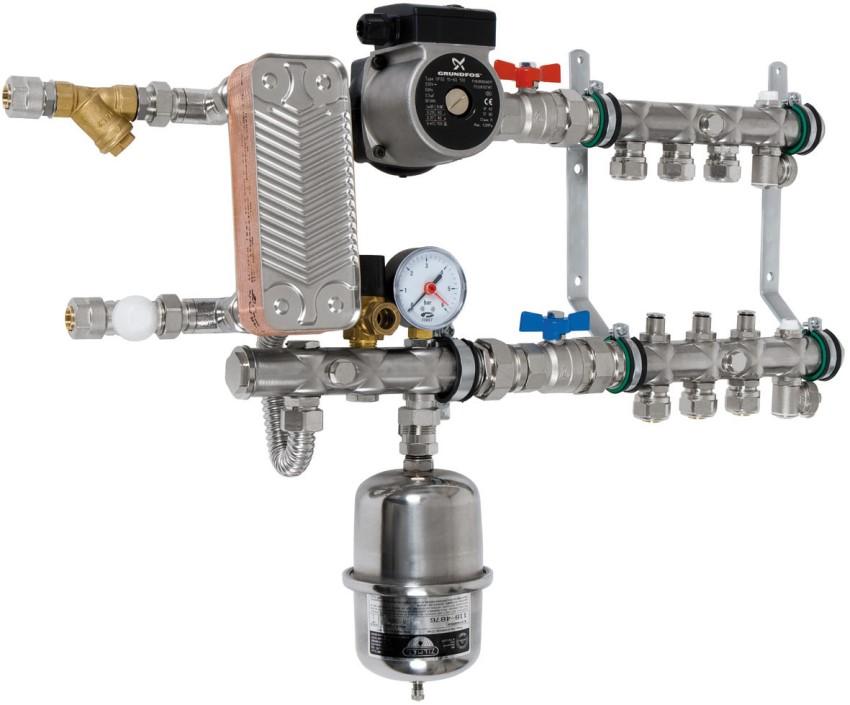 """Монтаж """"мокрого"""" типа насоса выполняется путем врезки в трубопроводную конструкцию"""
