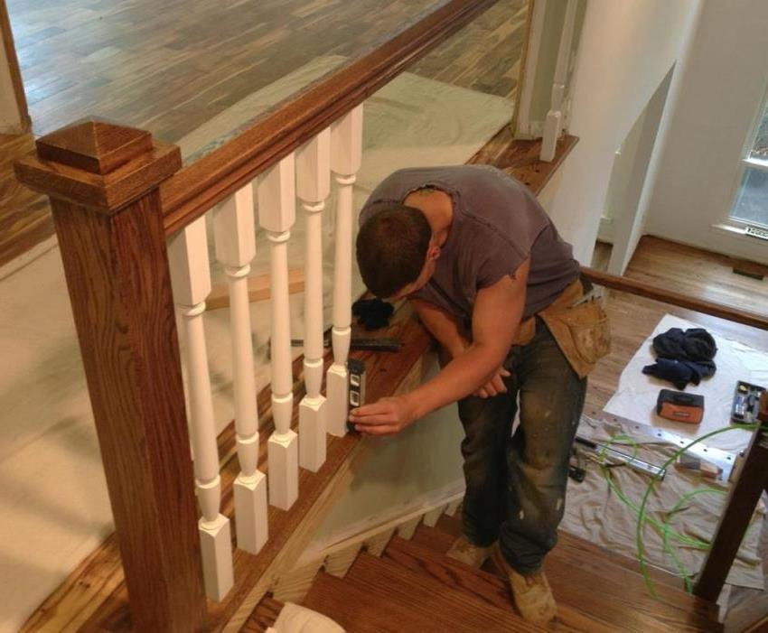 Для самостоятельного изготовления и монтажа, особенно если навыков работы с деревом не много, стоит отдавать предпочтение мягким сортам древесины