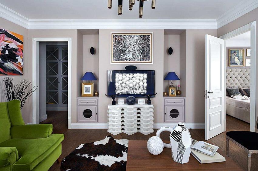 Белые двери более практичные чем темные, потому что на них меньше заметна пыль