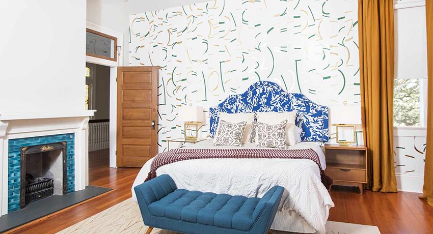 Идея оформления стен в спальне