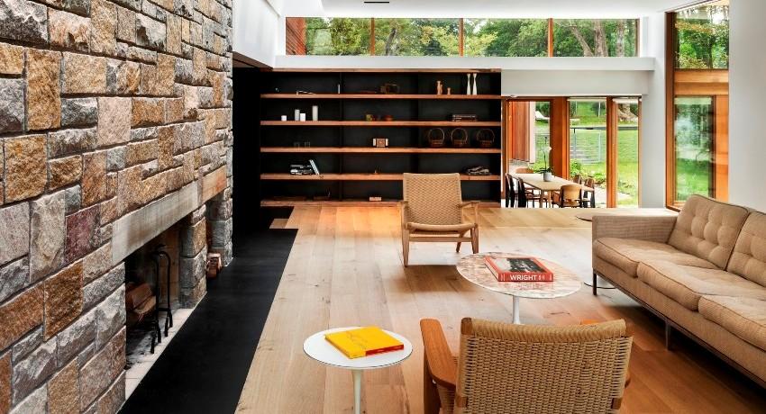 Используя декоративный камень в домашнем интерьере можно достигнуть наибольшего ощущения уюта, спокойствия и даже некой защиты
