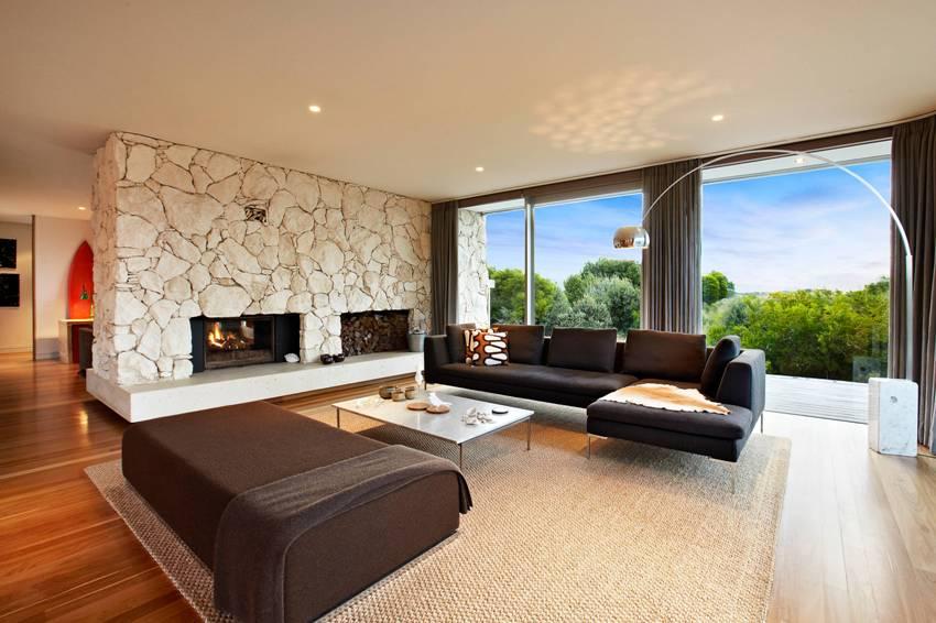 Соблюдая меру и подобрав нужный цвет камня с определенной фактурой, можно создать легкий и изысканный домашний интерьер