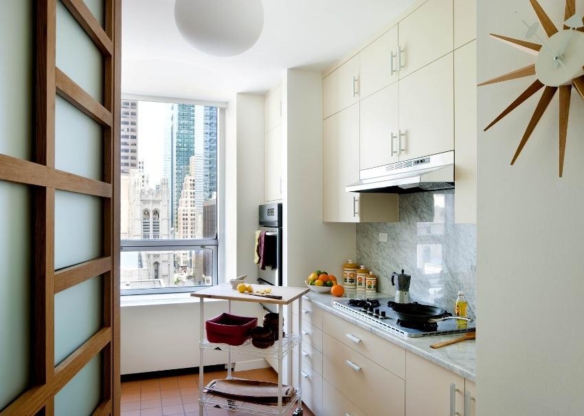 Для однокомнатной квартиры лучше делать мебель на заказ, так она доставит эстетическое наслаждение, и будет нужной комплектации