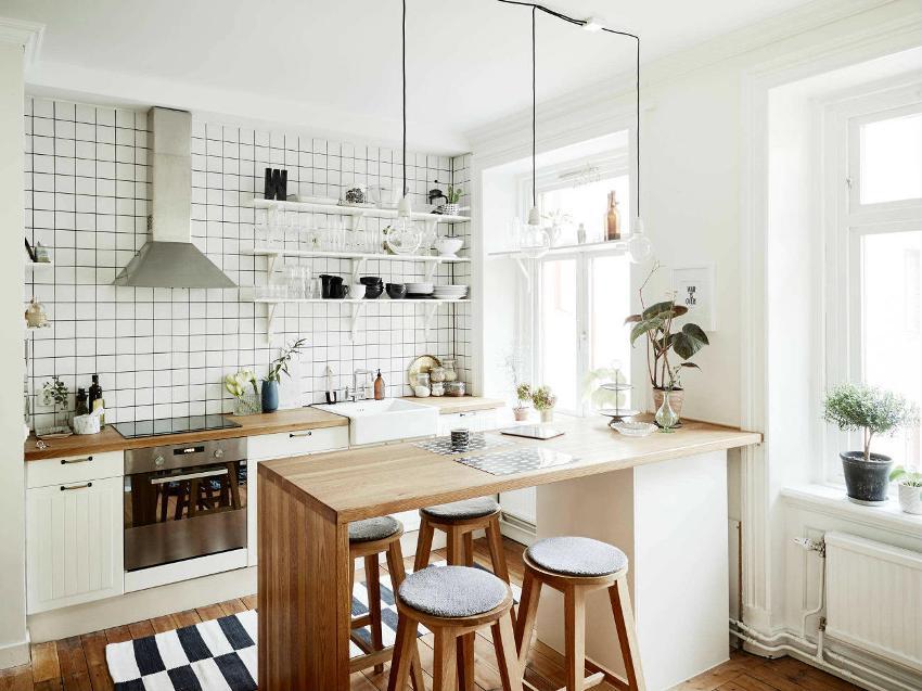 Для оформления стен в однокомнатной квартире лучше выбирать светлые тона, которые зрительно увеличат пространство