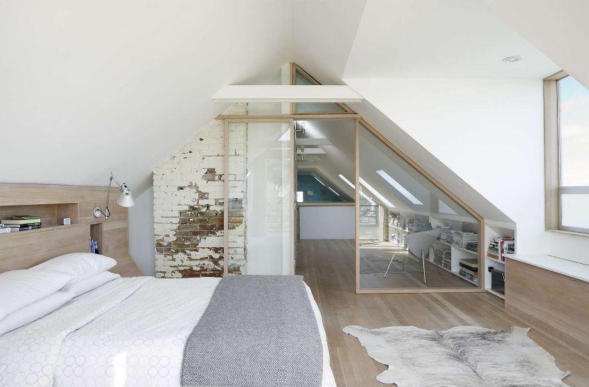 Замена обычных дверей на раздвижные позволит значительно повысить функциональность всей квартиры, за счёт использования дополнительного пространства