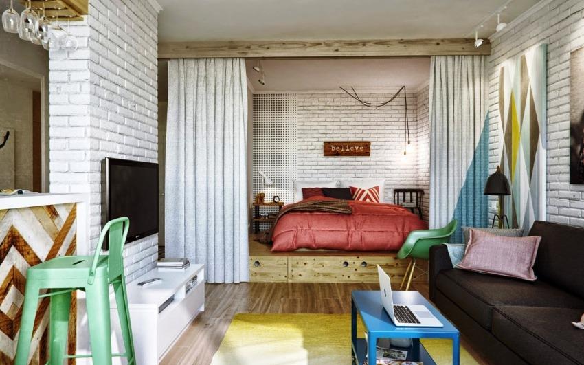 Возможностью повысить функциональность комнаты при планировке квартиры, является изготовление одного или нескольких уровней подиума
