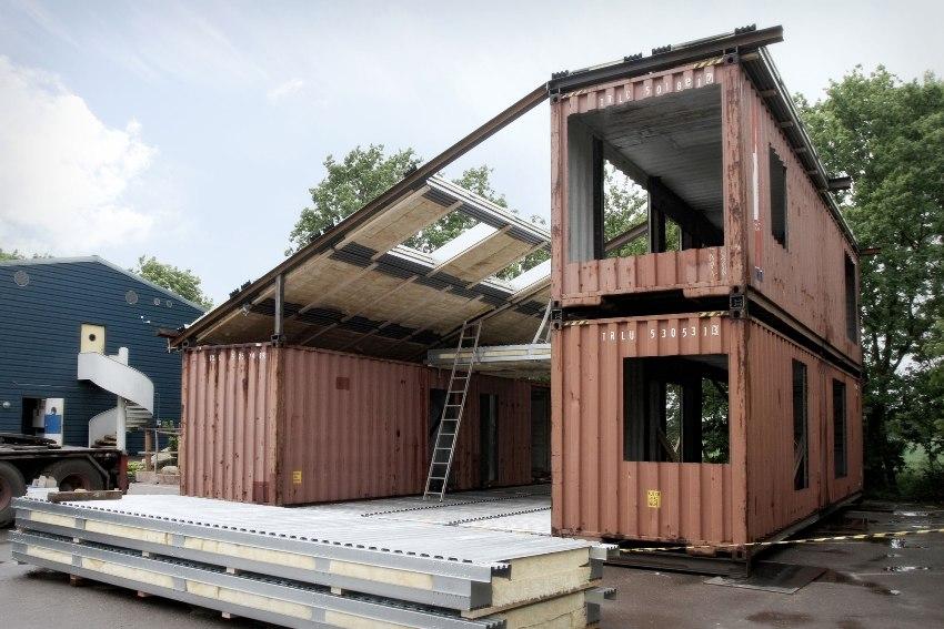 Обустройство односкатной крыши контейнерного дома
