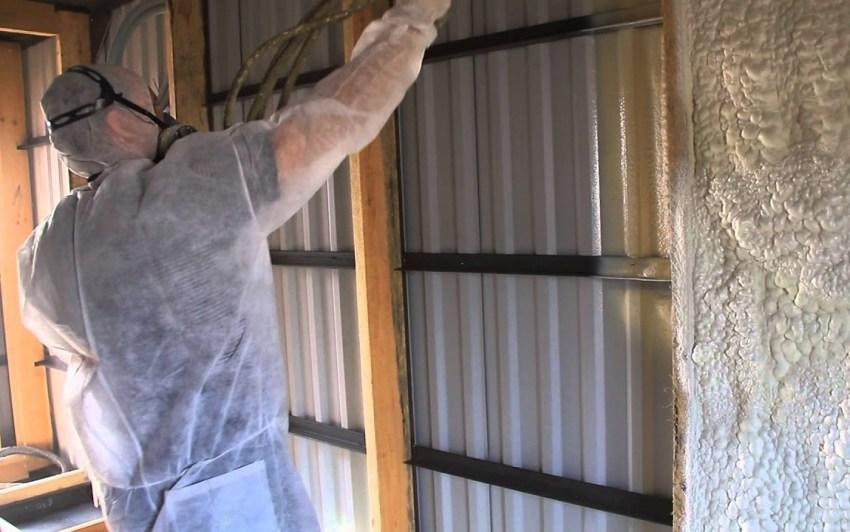 Качественно утеплить контейнерный дом можно с помощью напыляющей теплоизоляции