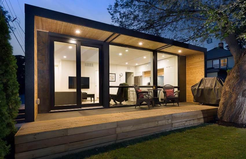 Для небольшого контейнерного домика будет достаточно деревянного основания-фундамента