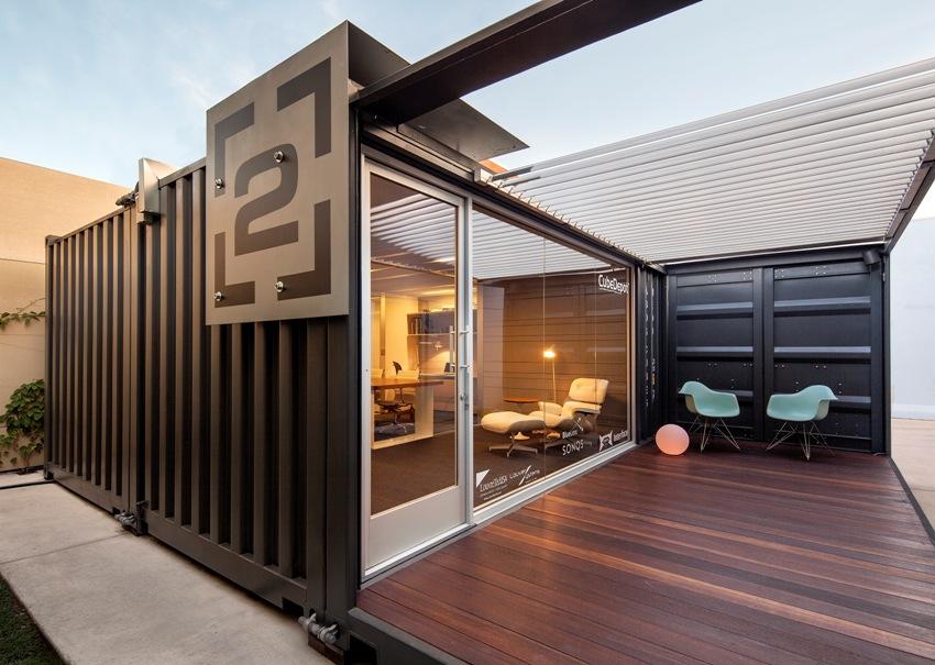 Современный креативный офис из модульных контейнеров