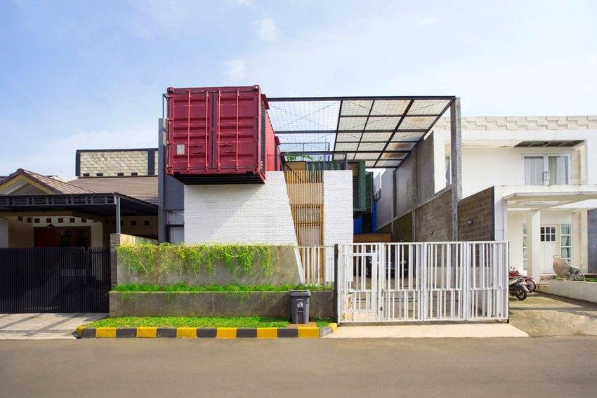 Для наружной облицовки контейнерного дома могут использоваться любые отделочные материалы