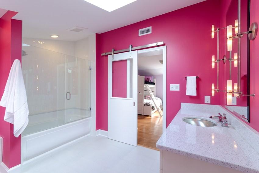 Неподвижные модели экранов для ванны относятся к стационарным конструкциям и после установки не меняют своего положения