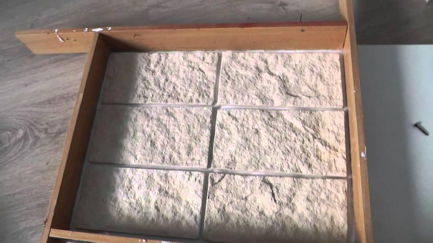 Для изготовления простых по форме камней, достаточно применить в качестве основы деревянные доски, сбив их между собой