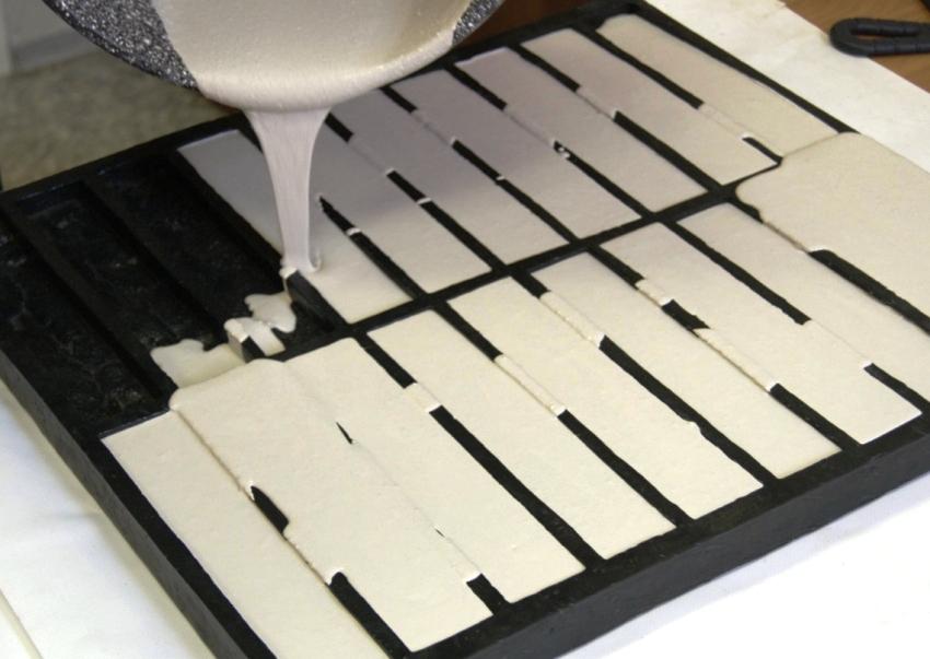 Для изготовления искусственного материла понадобятся специальные формы для производства гипсового камня