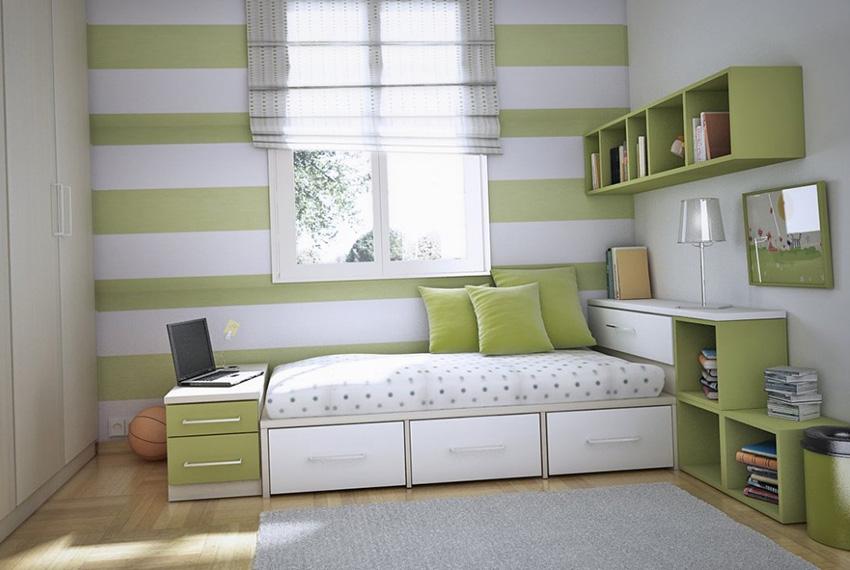На выбор обоев влияет метраж комнаты, высота потолков и превалирующий источник света