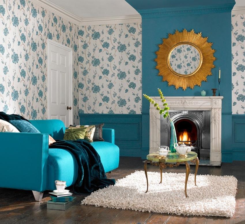 Обои в стиле прованс легко можно скомбинировать с однотонными, получив при этом оригинальный дизайн интерьера гостиной
