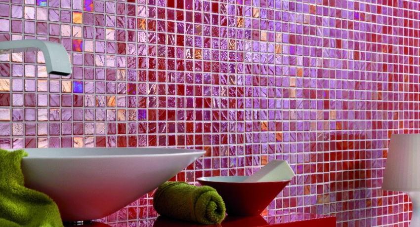 Базовый способ укладки мозаики в ванной комнате является самым простым и распостраненным