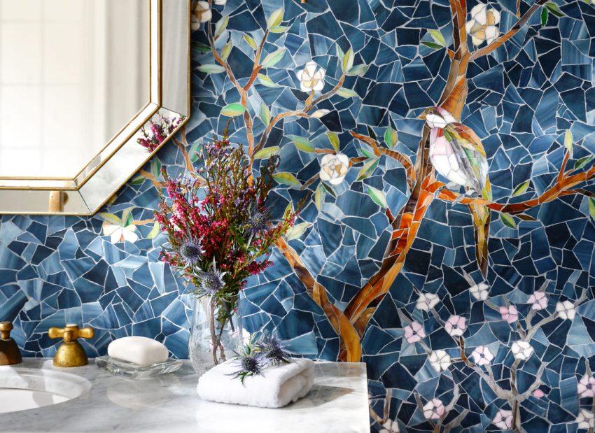 Керамическая плитка мозаика обладает большим разнообразием форм, текстур и цветовых решений