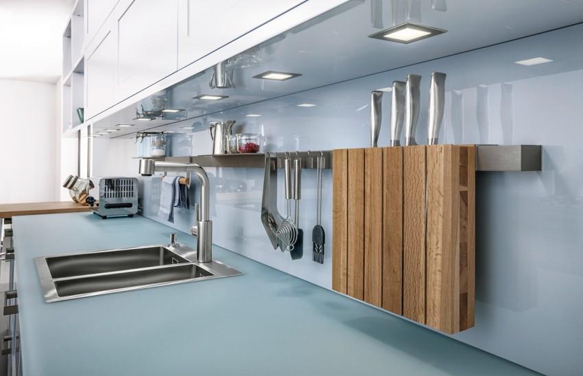 Штанга квадратного сечения из матового хрома отлично впишется в современный интерьер кухни