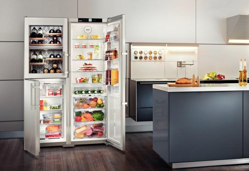 Холодильники side by side отличаются вместительным объемом морозильной и холодильной камеры