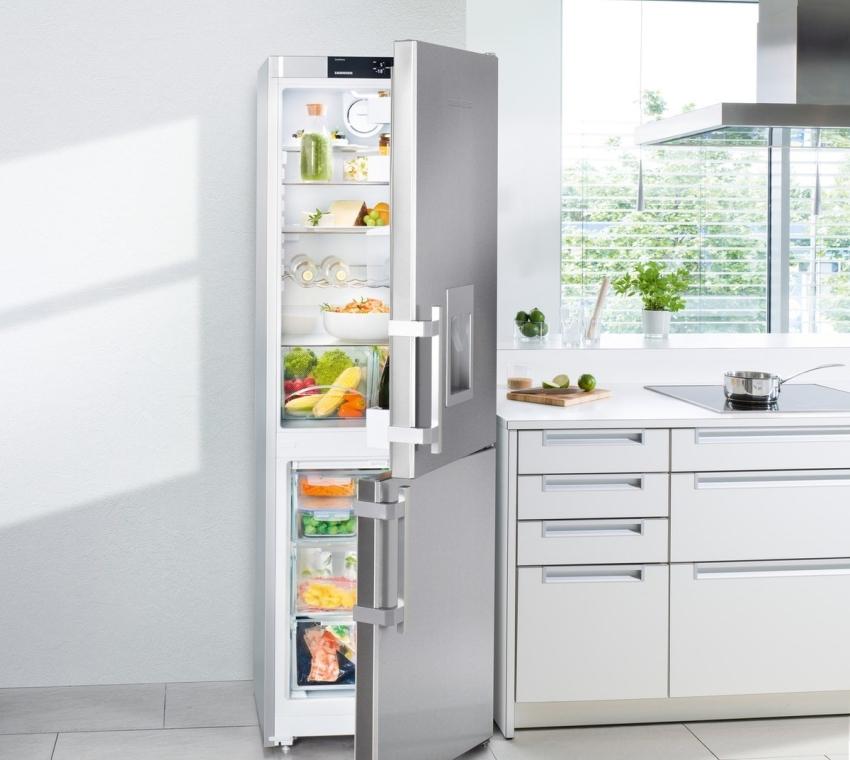 Современный дизайн холодильников позволит вписать устройство в любую кухню