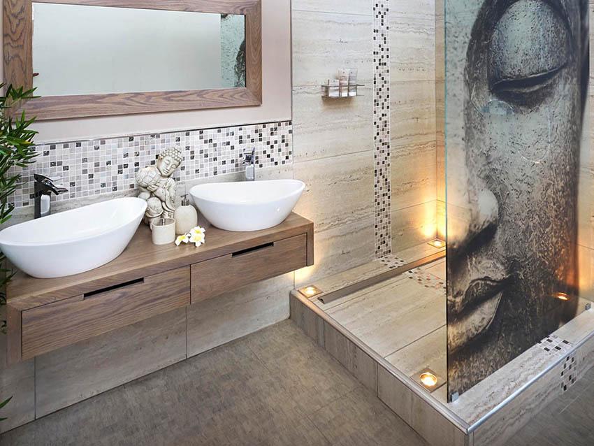 При выборе типа стеклянной шторки нужно учитывать габариты ванной