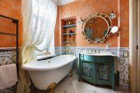 Оригинальная ванная команта в прованском стиле подойдет для тех, кто любит необычный и изысканный декор