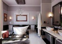 Просторная ванная комната в классическом чорно-белом стиле