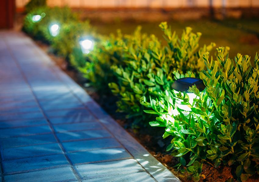 Датчик освещённости реагирует на уровень освещения, включая светильник именно тогда, когда это необходимо
