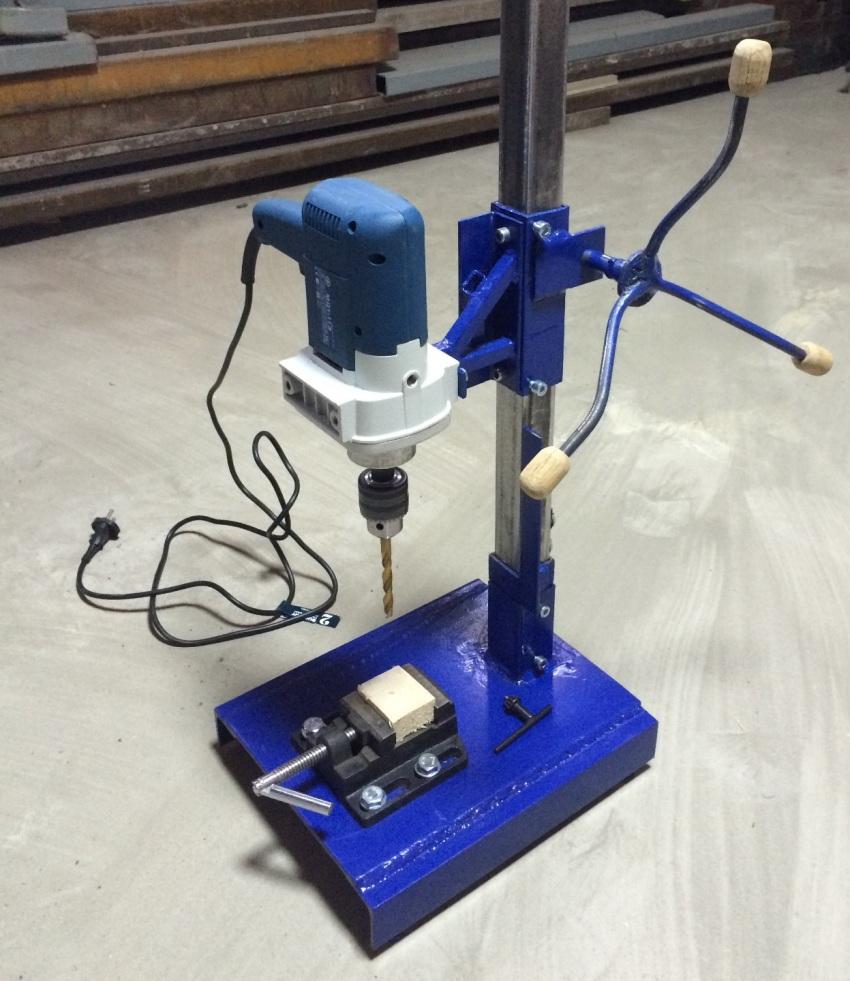 Токарный станок из дрели, сделанный своими руками, позволит сэкономить на приобретении нескольких обрабатывающих устройств специализированного типа