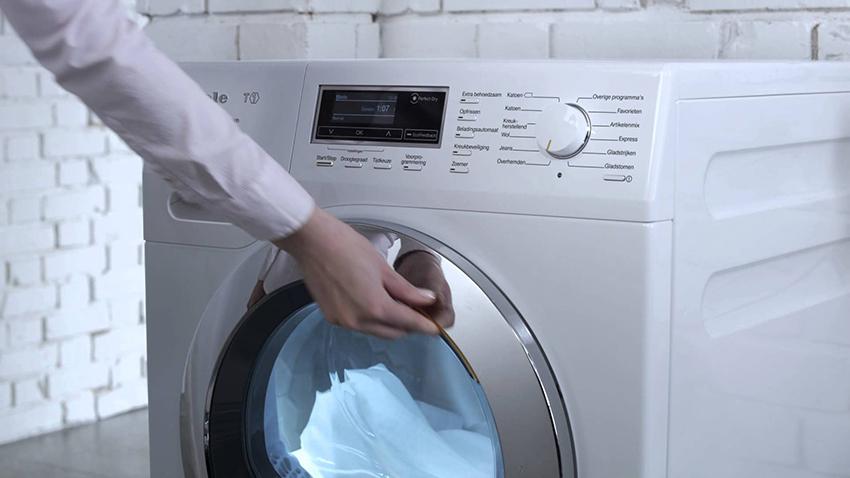 Подбирать узкую стиральную машину необходимо в зависимости от потребностей