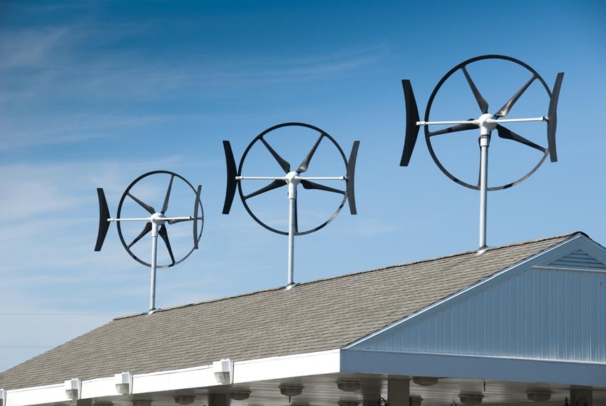 В зависимости от типа конструкции, ветрогенераторы могут быть вертикальными или горизонтальными