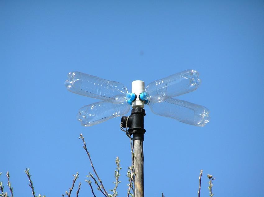Простейший самодельный ветрогенератор из пластиковых бутылок