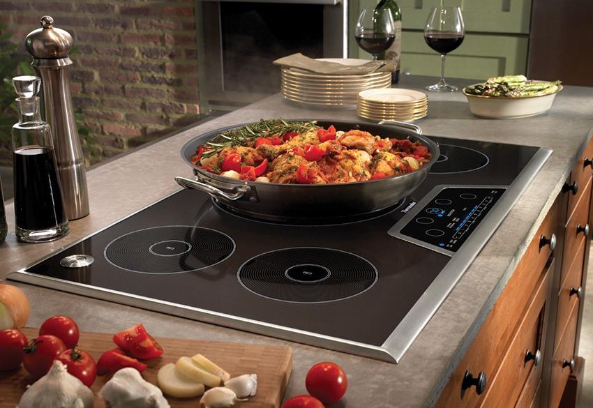 Материал, из которого изготовлена варочная плита, может различаться. Каждый из них имеет свои преимущества и недостатки