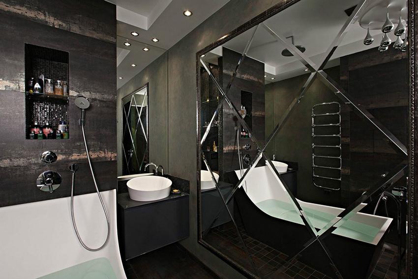 Чаще всего зеркальной фацетной плиткой отделывают ванную